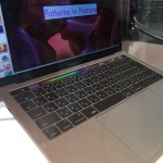 新型MacBookPro TouchBar を見にAppleStore表参道店まで行ってきました。